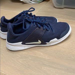 Blue men's Nike size 7 1/2